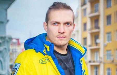 Украинский боксер остался чемпионом