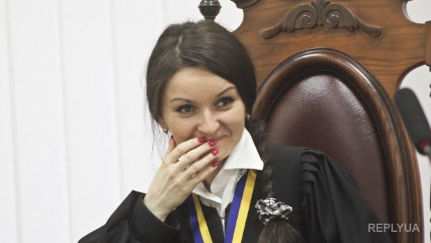 Судья Царевич продолжает показывать характер следствию