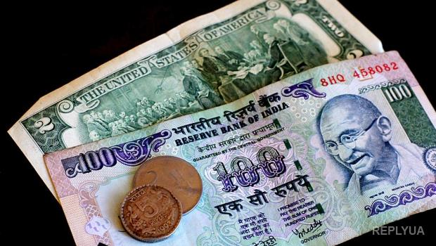 В России опозорен курс рубля - он сравнился с курсом индийской рупии