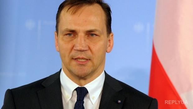 Эксперт объяснил, почему Меркель и Олланд создали Минские переговоры