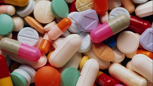 Через мошенническую схему с посредниками Минздрав приобретал лекарства по пятикратной стоимости