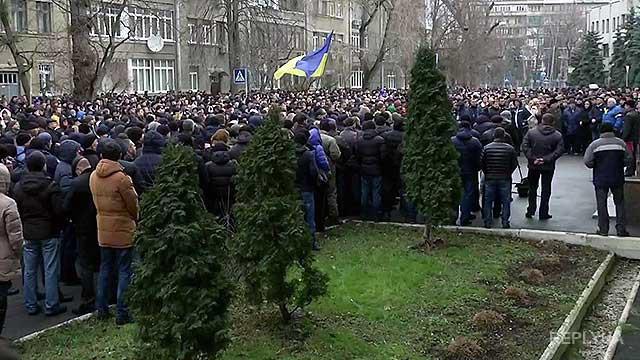 Бутусов: Чем больше протестующих ментов, тем лучше
