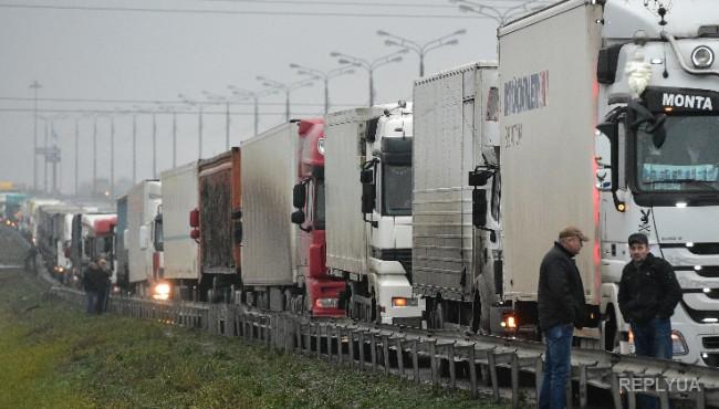 Политолог: Путин выступил, но от темы о дальнобойщиках ушел