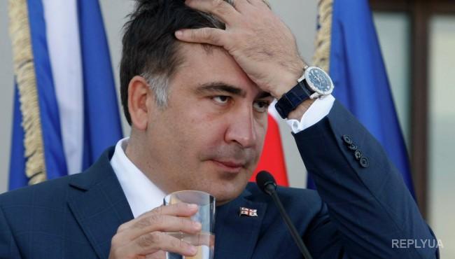 Саакашвили приобрел роскошный Мерседес на скромную одесскую зарплату