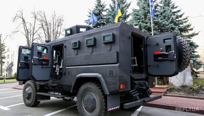 Аваков: В АТО отправится новый автомобиль ВАРТА