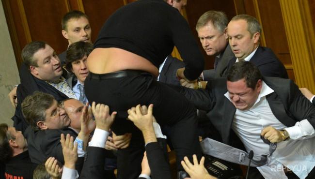 Булгак: Реформы тормозят депутаты, а не Правительство