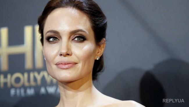 Фильм Анджелины Джоли провалился в прокате