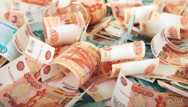 В российском правительстве «удивлены» курсом доллара