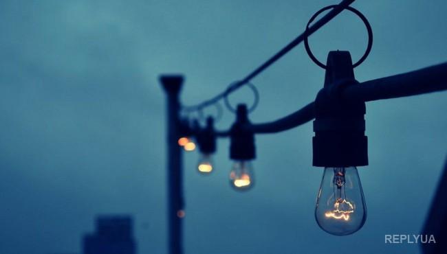 В Крыму говорят об «избытках» электроэнергии, а люди остаются без света