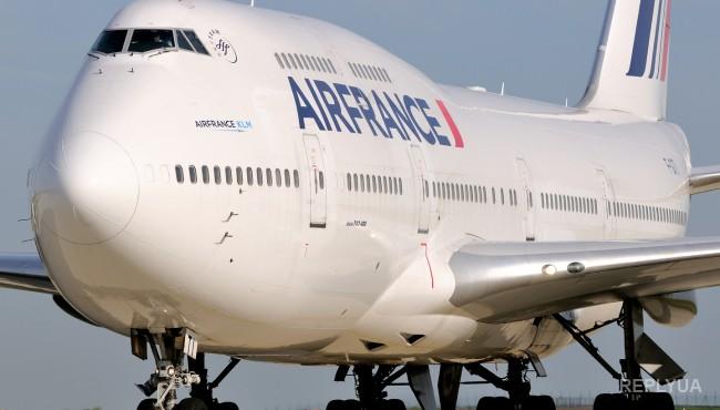 Французский лайнер совершил экстренную посадку из-за угрозы теракта