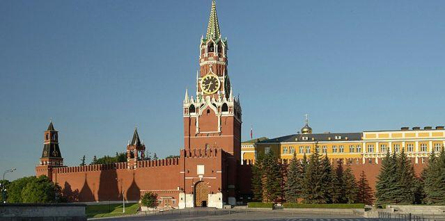 Веллер: все решения Кремля по Крыму принимаются без опросов