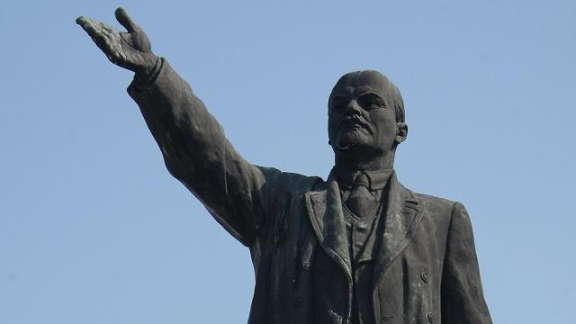 Власти Полтавы проигнорировали декоммунизацию, вернув улице советское название