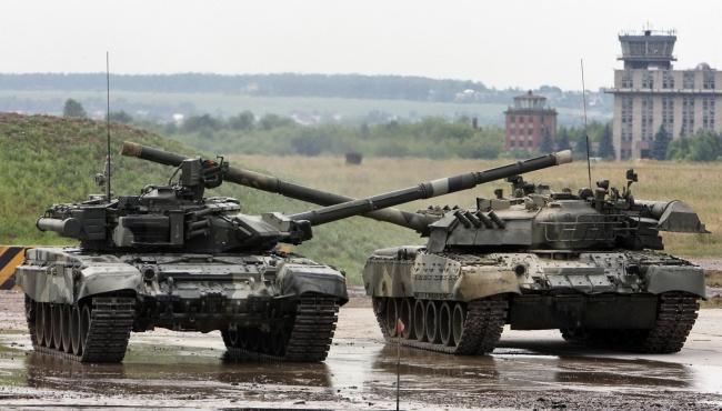 Бондаренко: Россия всегда готова покрасить танки в белый цвет