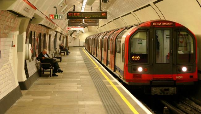 2 января лондонцы бесплатно катались на транспорте из-за сбоя в системе терминалов