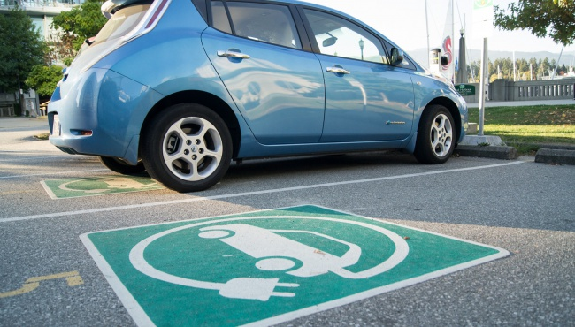 Электромобили привлекают на украинский рынок, а РРО вытесняют из бизнеса