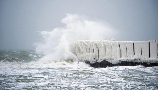 В Одессе резкое ухудшение погоды и штормовое предупреждение