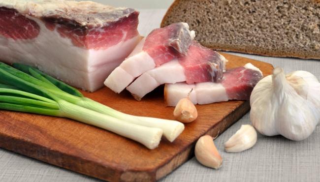 В Госстате расстроили – быстрее всего дорожают сало и хлеб
