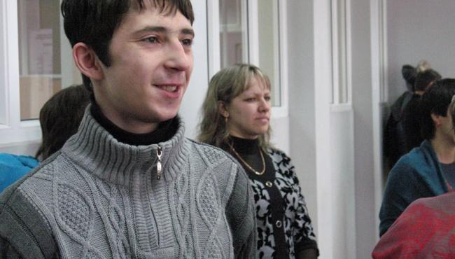 В Луганской области участник АТО получил ключи от квартиры