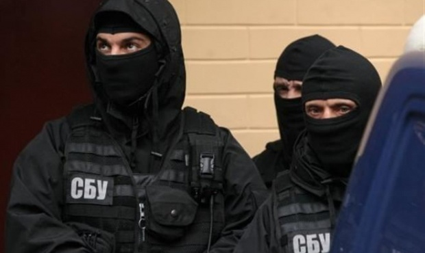 С кем воюет Украина: с СБУ или с Россией?