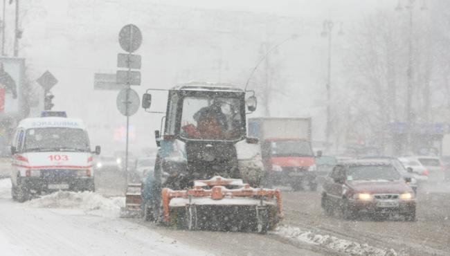 Для расчистки дорог в Киев стянута вся снегоуборочная техника