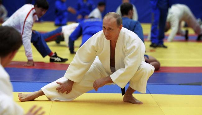 Путин вспомнил молодость и принял участие в соревнованиях