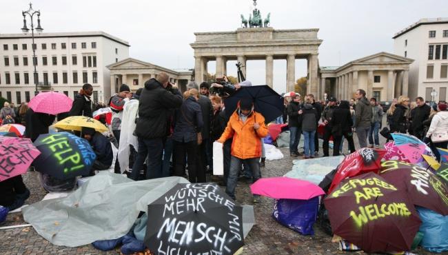 Опрос в Германии: немцы не хотят видеть мигрантов в своей стране