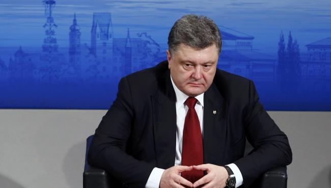Во время визита в США Порошенко попросит у Обамы новых санкций против России