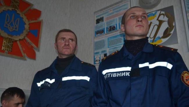 Два спасателя в нерабочее время ликвидировали пожар