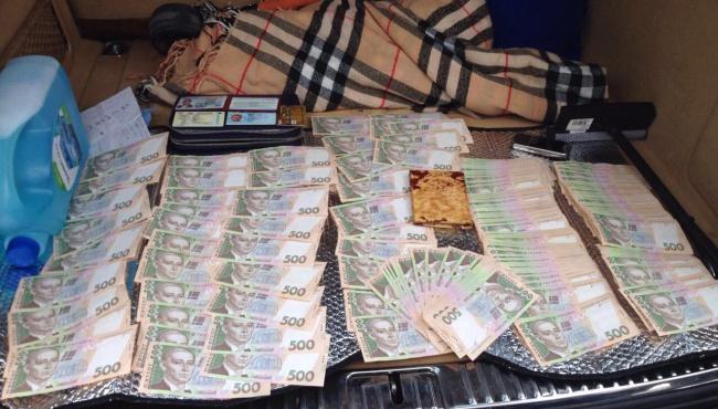 Задержаны три налоговика за взятку в 4 млн. грн.