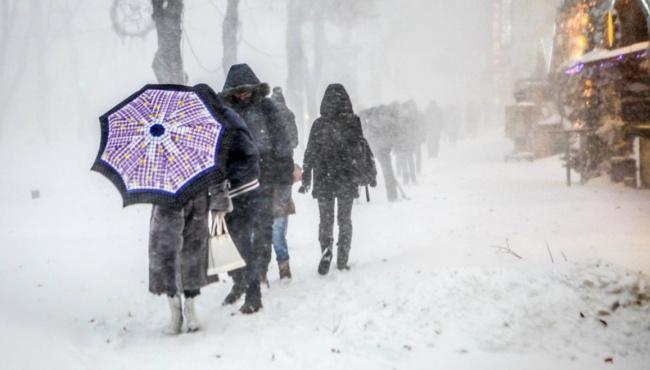 Снегопад и сильный ветер в Украине привели к обесточиванию пяти областей