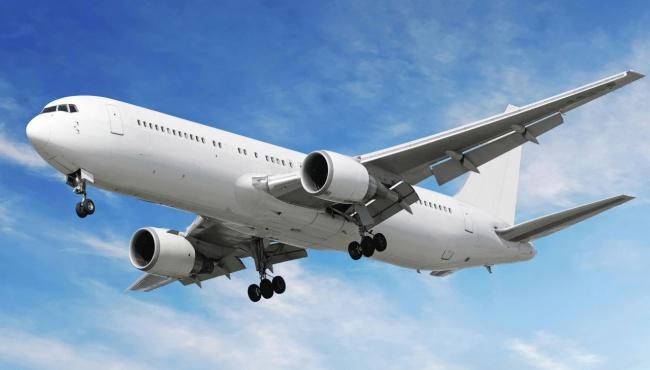Пассажиров рейса МАУ эвакуировали ссамолета из-за трещины виллюминаторе,— пассажир