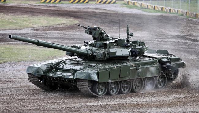 На Донбасс проследовали военные колонны из России