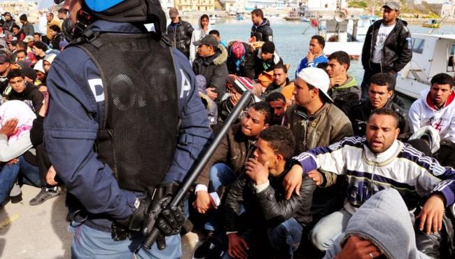 Опрос в Польше: поляки не хотят видеть беженцев на своей земле