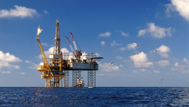 Стоимость нефти стремительно меняется на мировом рынке