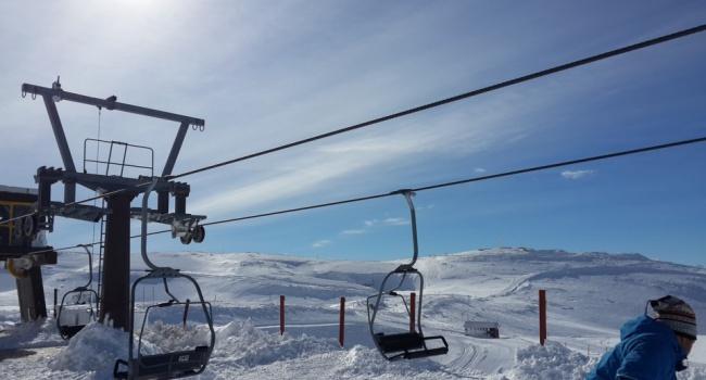 В Израиле закрыли курорт Хермон из-за огромного наплыва туристов