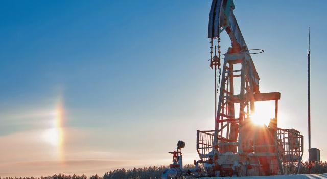 Утренние торги начались с обвала цен на нефть
