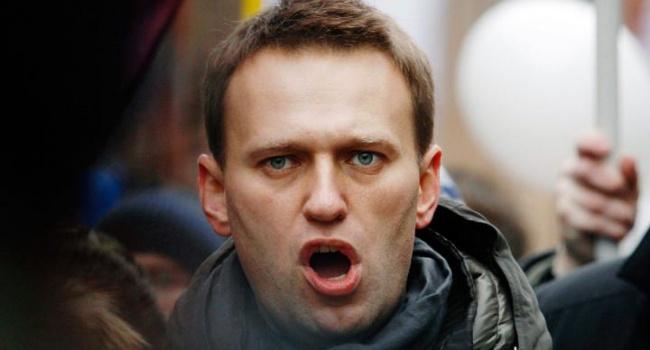 Навальный будет судиться с Путиным
