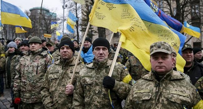 На Майдане активисты возобновили митинг