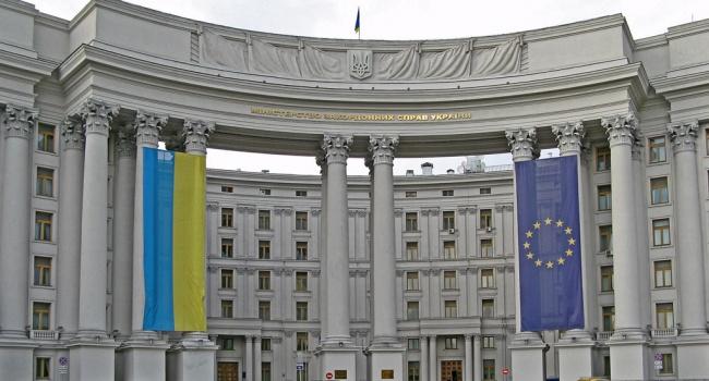 МИД Украины: другие страны присоединились и отказали в визах крымчанам