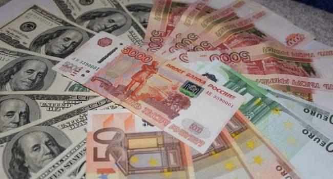 Рубль устремился вверх на фоне роста нефтяных котировок