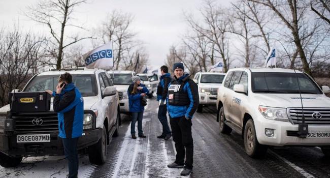 Автомобиль наблюдателей ОБСЕ обстрелян в Снежном