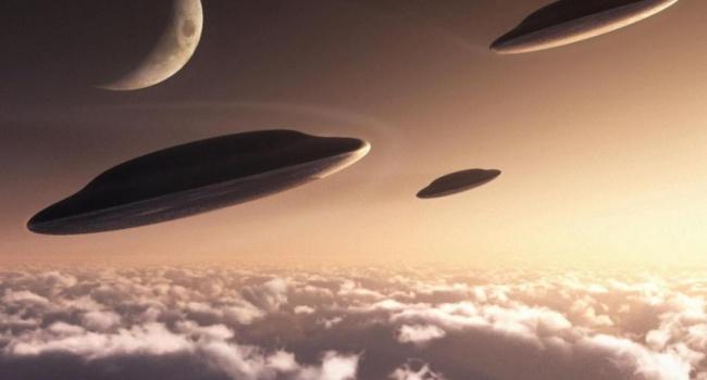 Уфолог зафиксировал гигантское НЛО пролетающее мимо Солнца