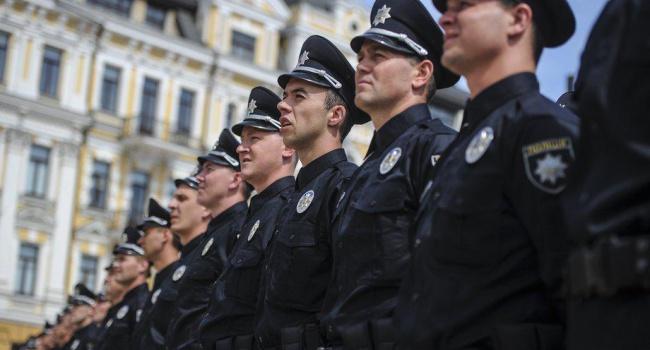 Киевские полицейские пересядут на велосипеды по собственному желанию