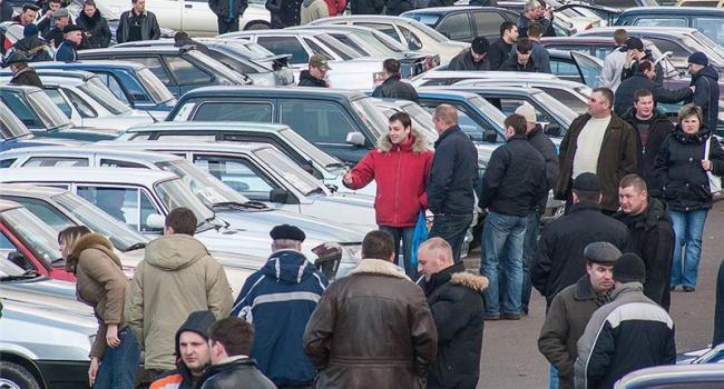 Украинский авторынок продолжает резко расти