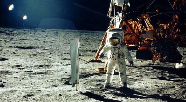 Россияне будут летать на Луну в 2025 году