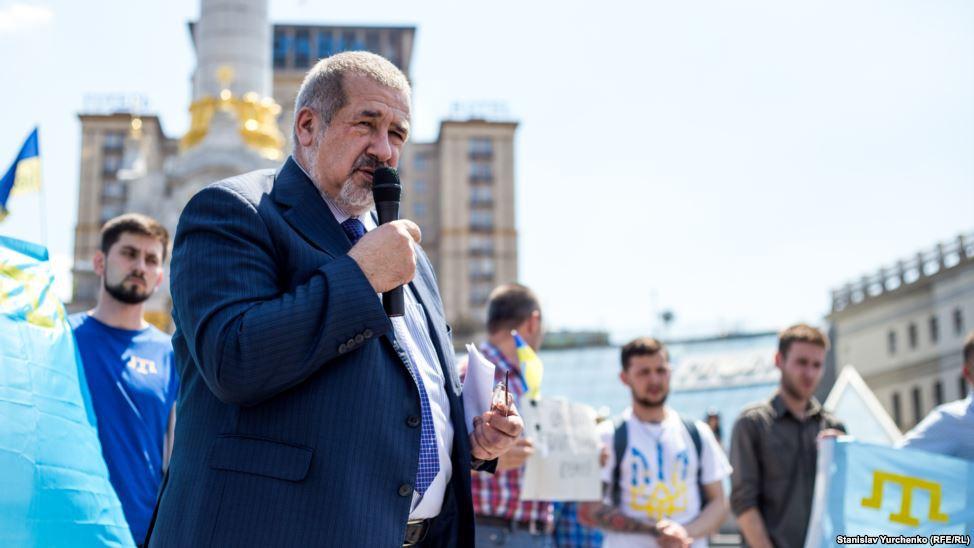 НаМайдане прошла акция взащиту крымских мусульман
