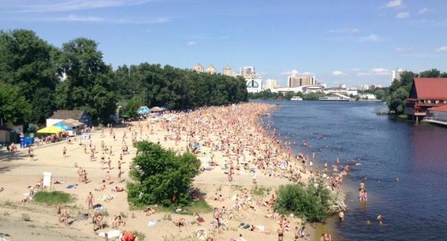 Киевляне решили сорвать летний сезон в Гидропарке