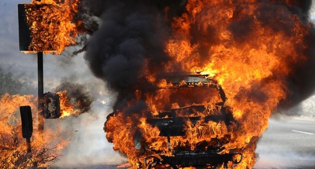 Водитель сгорел в собственном автомобиле: жуткое ДТП в Запорожье