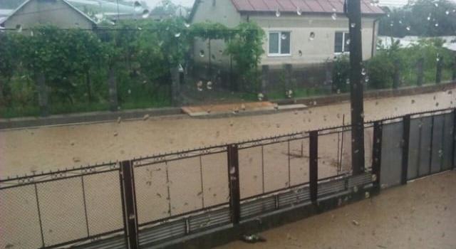 Закарпатье под водой: из-за проливных дождей затопило населенные пункты