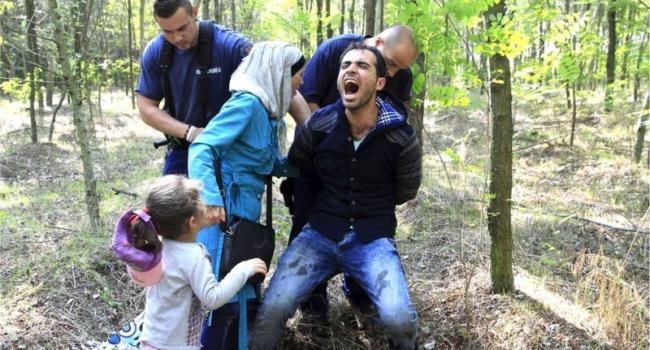 Венгрия закрыла границы для беженцев из Сирии